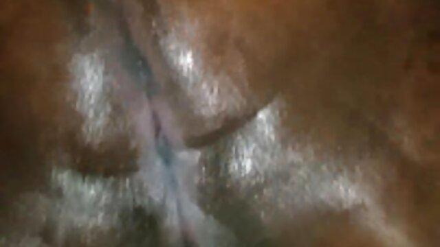 अपनी माँ के टॉवर भ्रष्ट पिता एचडी फुल सेक्सी फिल्म के साथ एक लड़का