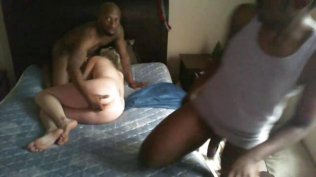 वेश्याओं जो एक ही समय में तीन पुरुषों के साथ यौन संबंध था नेपाली फुल सेक्सी मूवी