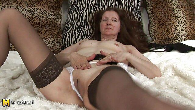 आकर्षक महिला, काले बाल वाली, छूत, मूठ मारना, अकेले, खिलौने, चुदासी, रंडी सेक्सी फुल मूवी हिंदी में