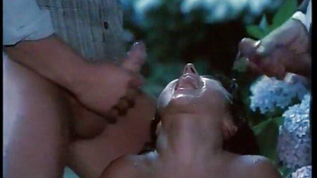 लड़की, धीरे पथपाकर और अपने ग्राहकों को फुल एचडी सेक्स पिक्चर खुश
