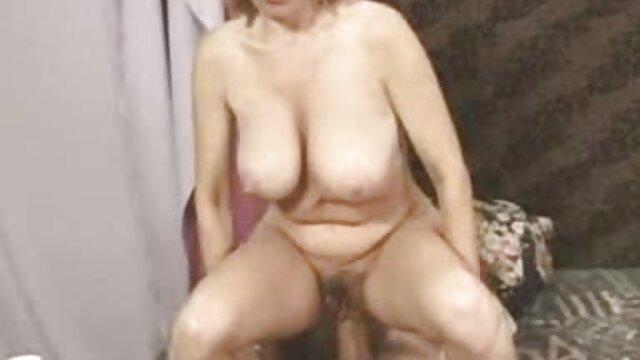 मैं अपनी माँ के लिए बाध्य है और उसके सामने यौन संबंध नंगी सेक्सी फुल मूवी