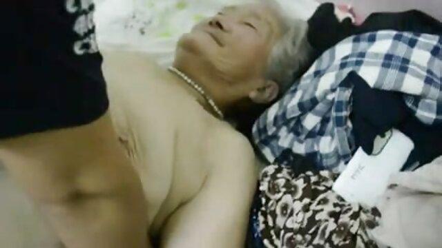 एक औरत के साथ एक चुंबन में सेक्सी फुल मूवी पिक्चर लगे हुए सेक्स के रोगियों