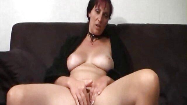 माँ फुल सेक्सी मूवी वीडियो में एक जवान लड़की से संभोग करने के लिए लाया