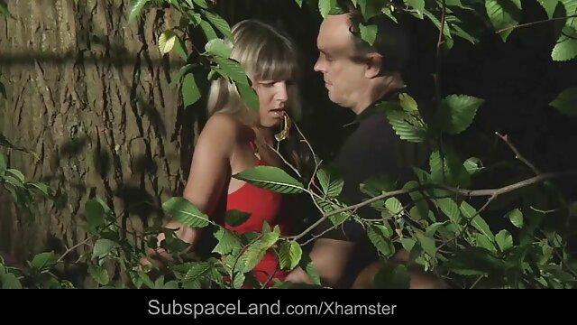 युवा लड़की भूरे बालों सुंदर के साथ एक बिगाड़ने देता है एचडी फुल सेक्सी फिल्म